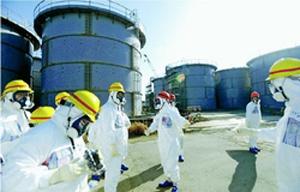 増え続ける汚染水を貯蔵するタンク群=東京電力福島第1原発
