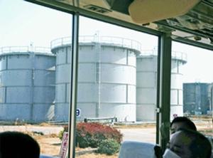 (写真)福島第1原発内の汚染水貯留タンク