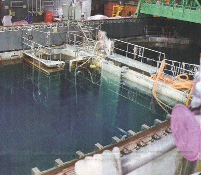 4号機の使用済み核燃料貯蔵プール=5月19日、福島第1原発