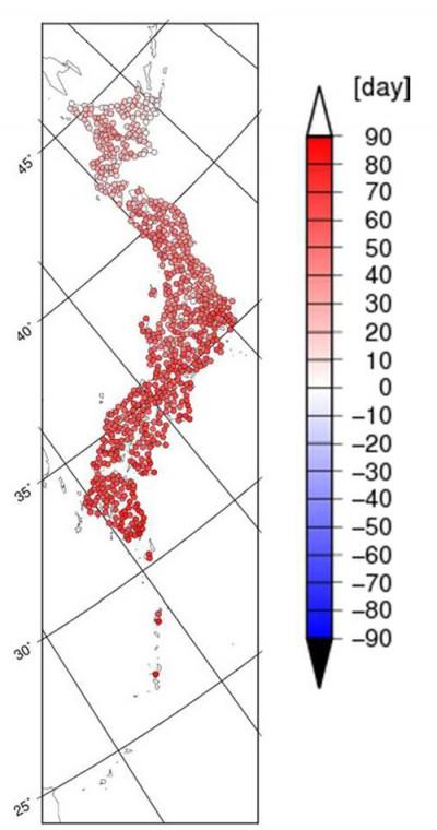 真夏日の日数の変化。点の赤さが濃いところほど日数が増えることを示します
